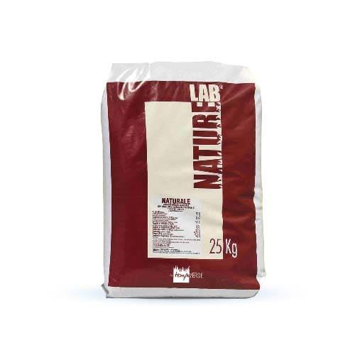 Applicazioni di NaturLab Naturale 12-6-8 sono consigliate durante le stagioni di crescita quando occorre garantire un recupero veloce del tappeto erboso.
